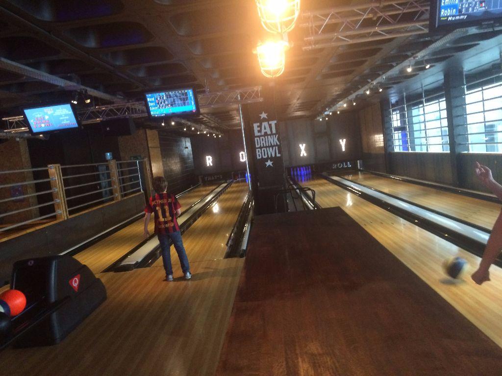 4 Bowling lanes